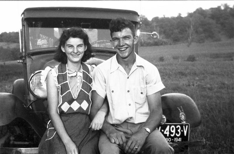 Pasangan ini selalu bergandengan tangan saat sarapan selama 70 tahun