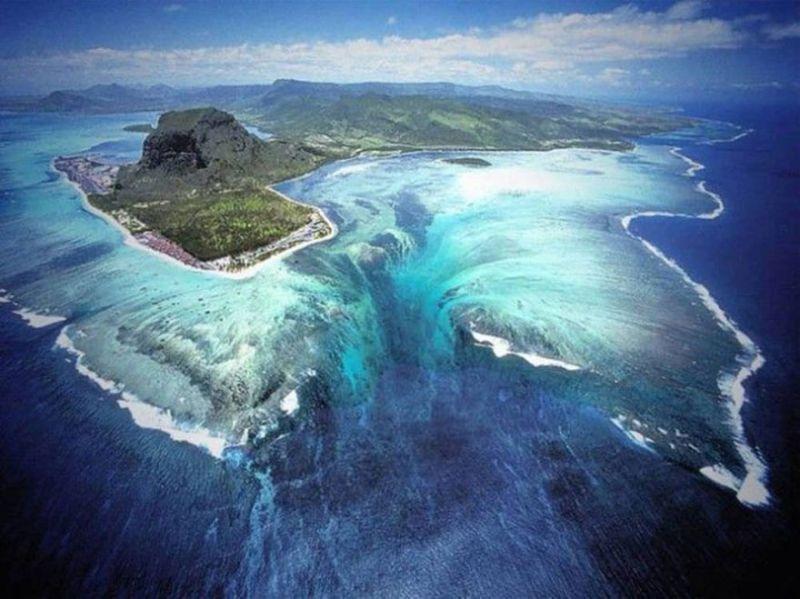 Air Terjun Bawah Laut