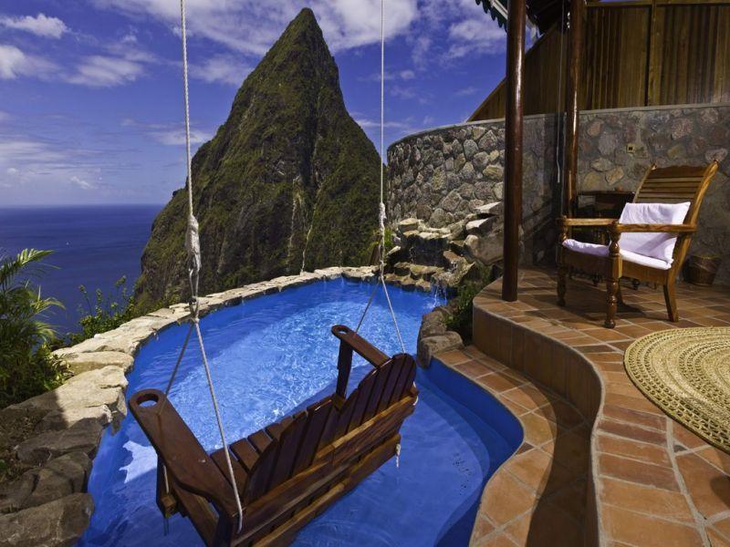 Daya tarik utama dari hotel ini adalah pemandangan laut Karibia yang mempesona