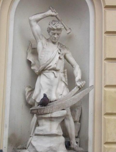 Patung & Burung