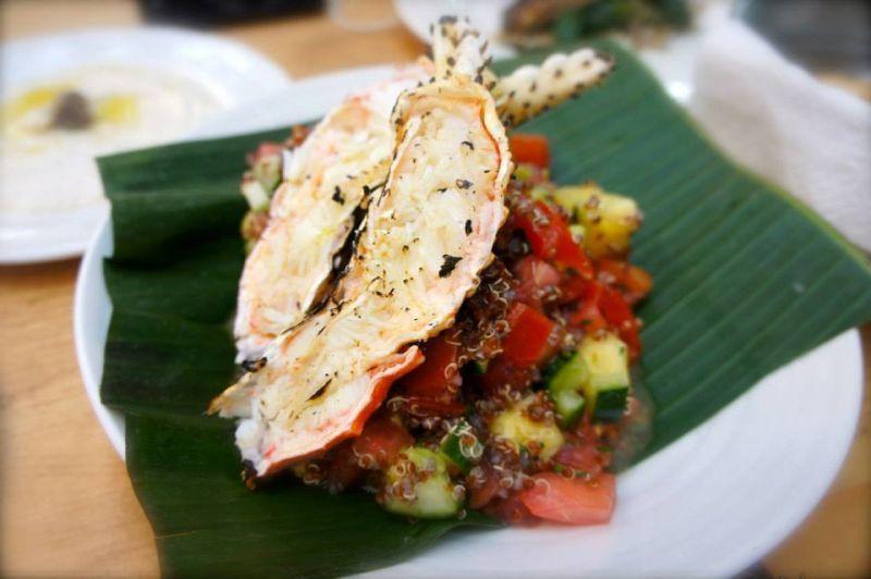 Quinoa salad dengan kepiting