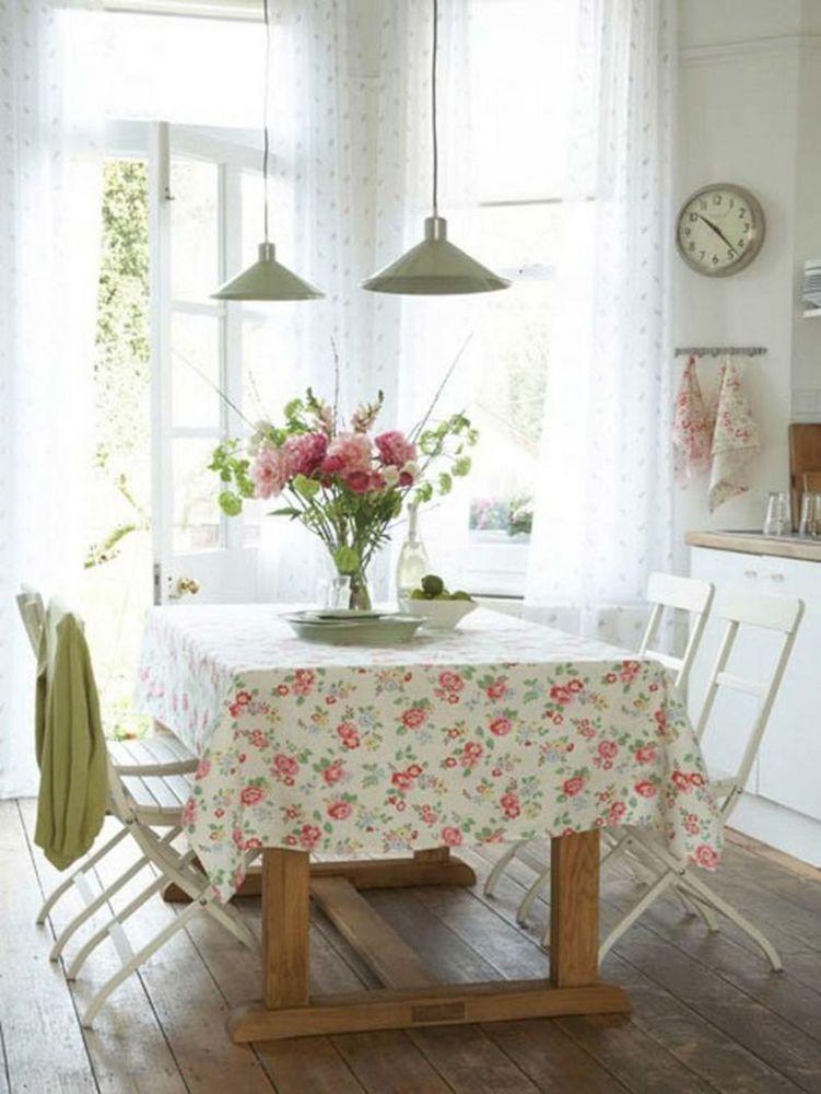 Ruang makan romantis