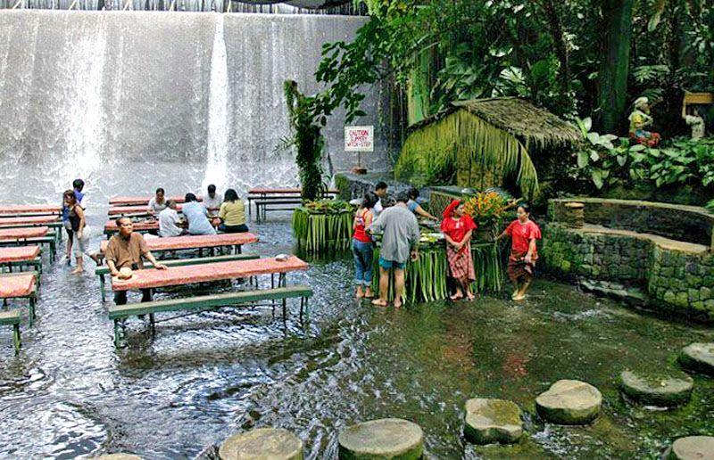 Villa Escudero, Filipina