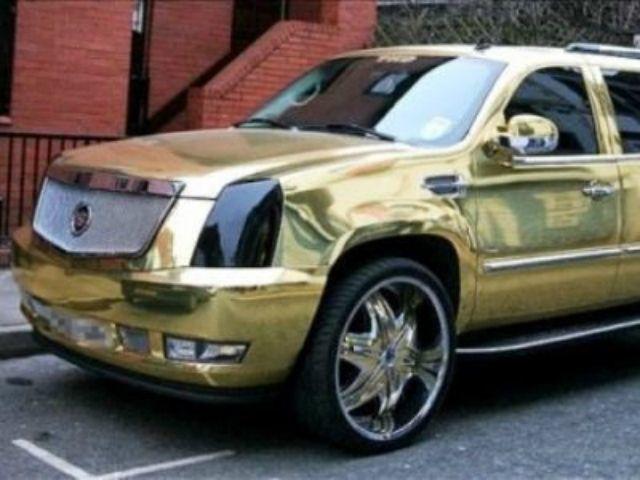 Mobil berlapis emas milik Diouf