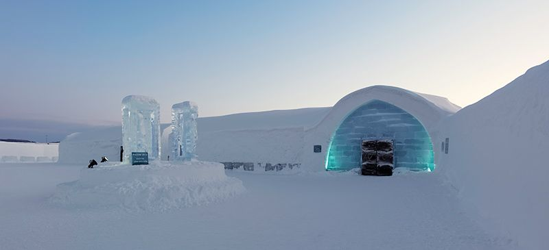 Hotel Es ini hanya ada pad musim dingin