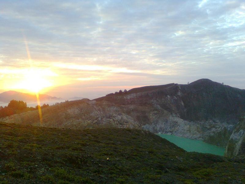 Sunrise di Kelimutu