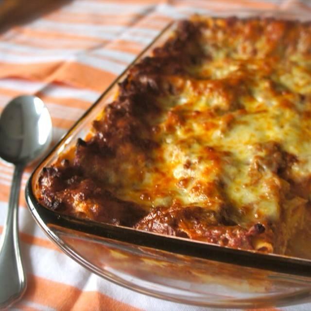 meaty and cheesy lasagna