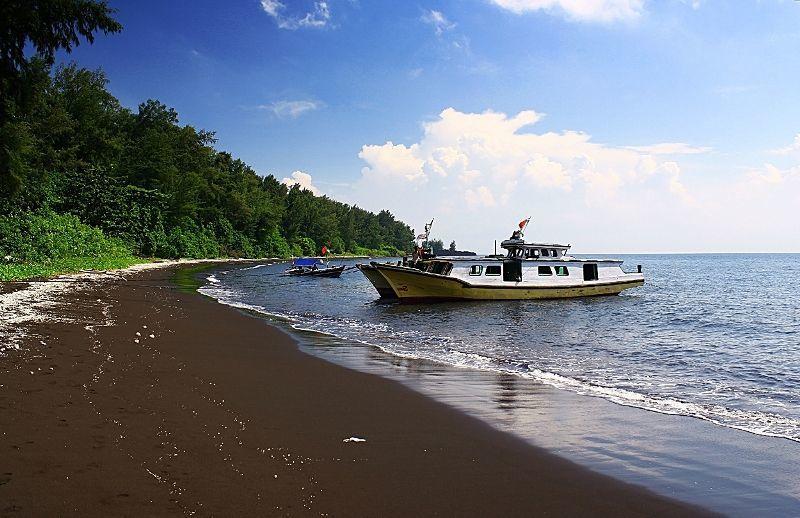 Pasir Pantai Hitam