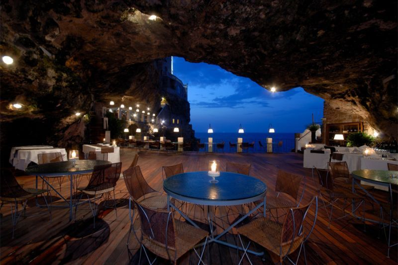 The Grotta Palazzese, Italia