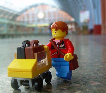 Punya kesempatan traveling bisa membuatmu bangga
