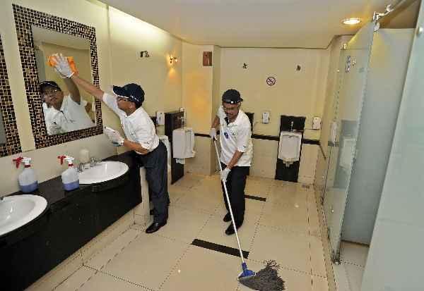 Toilet selalu dibersihkan