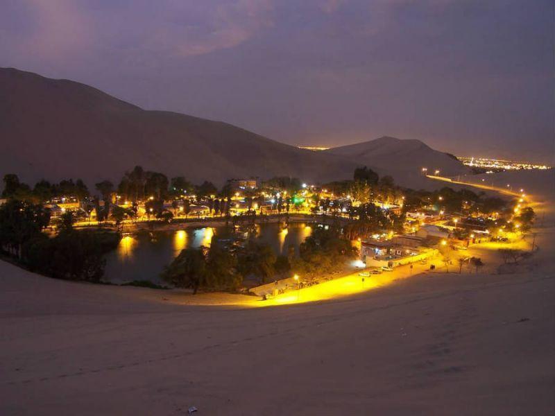 Kampung kecil yang ada dekelilingi oleh gurun pasir