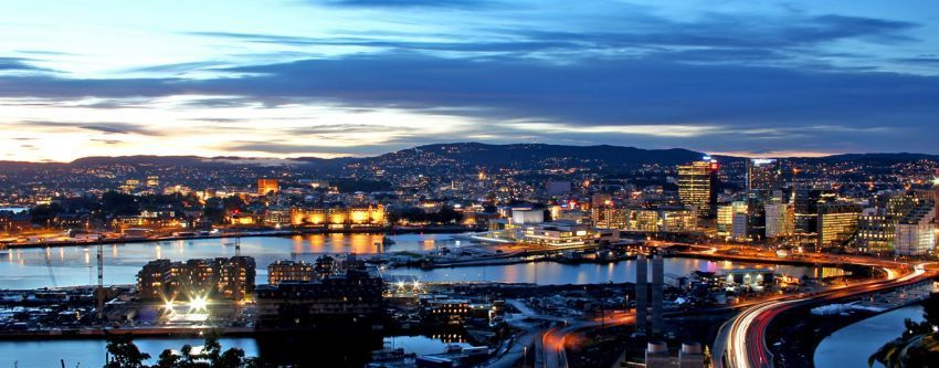 Kota Oslo di malam hari