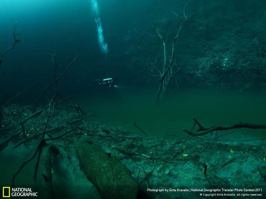 Sungai bawah air ini terletak di Mexico