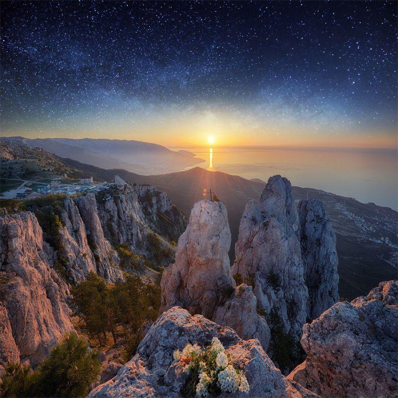 Pemandangan yang akan kamu dapatkan dari puncak Ai Petri