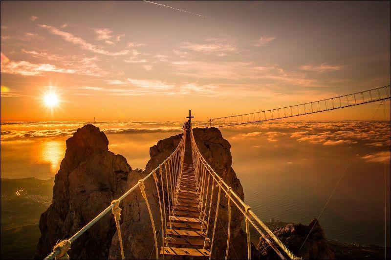Jembatan di Gunung Ai Petri, Ukraina