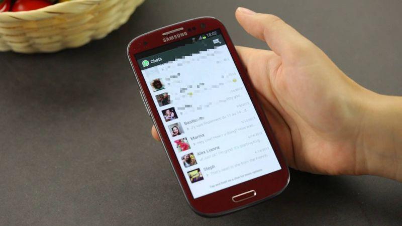 Menghapus pesan di ponsel