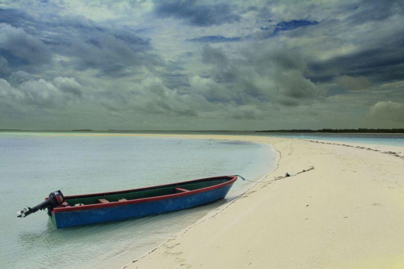 Pantai Ngurtafur, Maluku