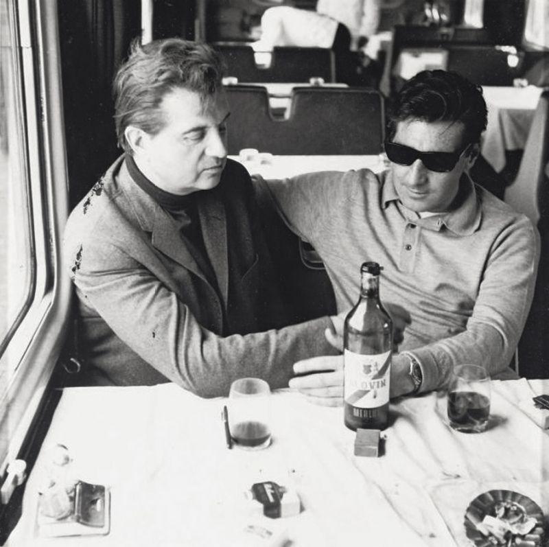 Minum-minum bersama teman