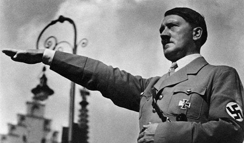 Oportunis seperti Hitler