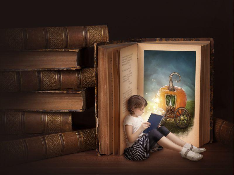 Traveling lewat buku