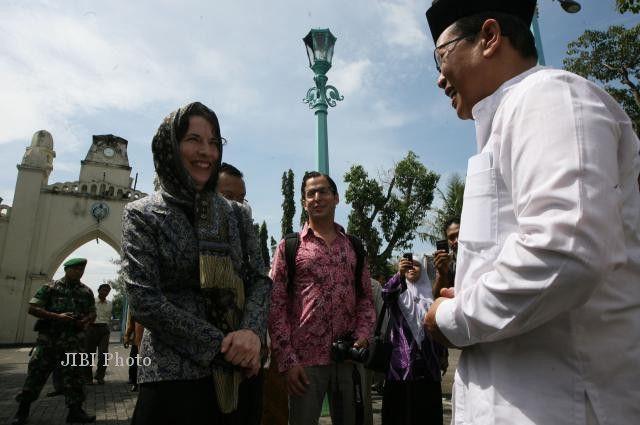 K.H Dian Nafi dan Wakil Dubes AS