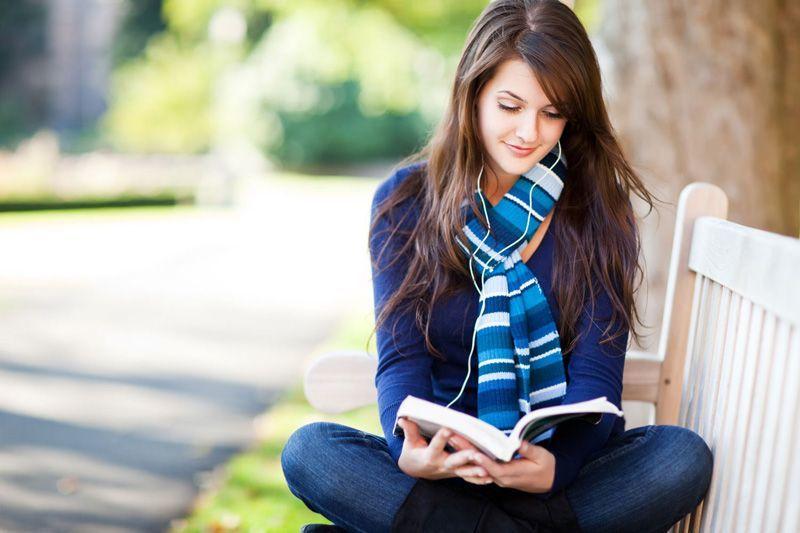 Novel menyuntik pikiranmu dengan imajinasi