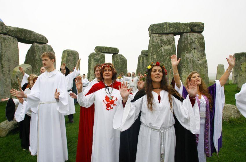 Upacara Paganisme di Stonehenge
