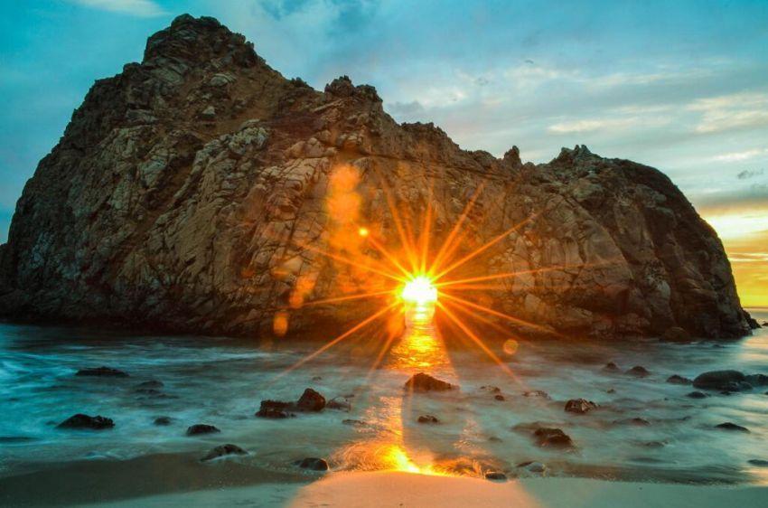 Sunset di Pantai Pfeiffer