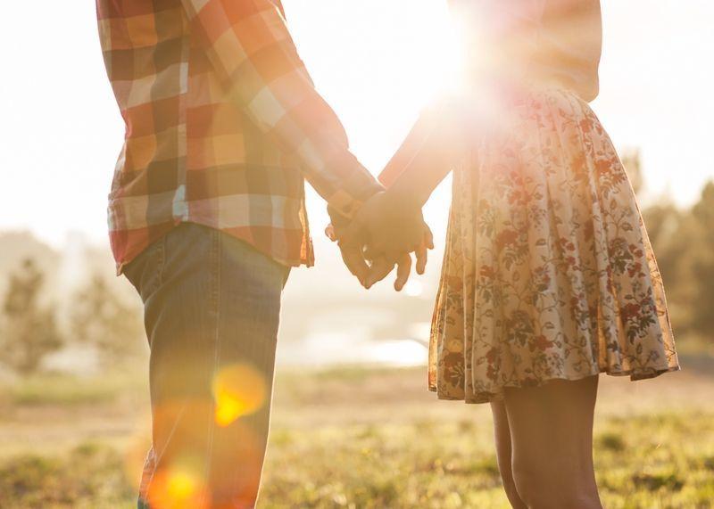 setia jadi fondasi hubungan