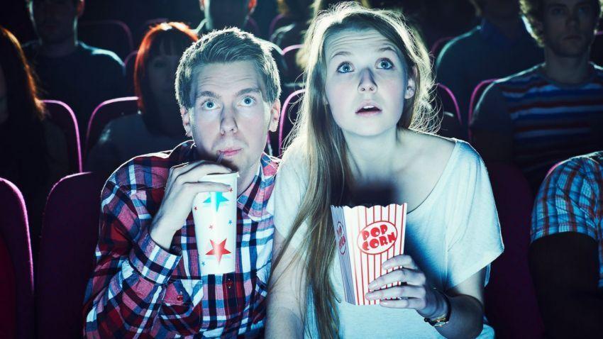Duduk tenang, nikmati filmnya.