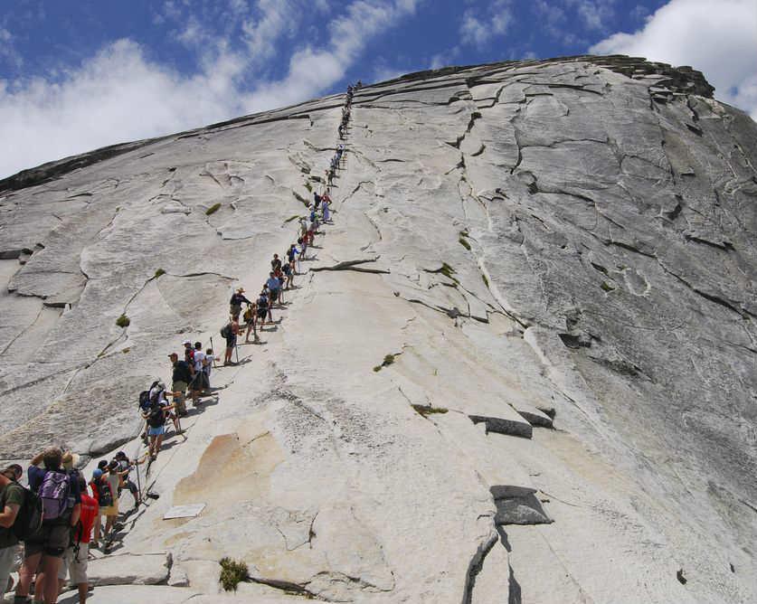Rute pendakian gunung half dome