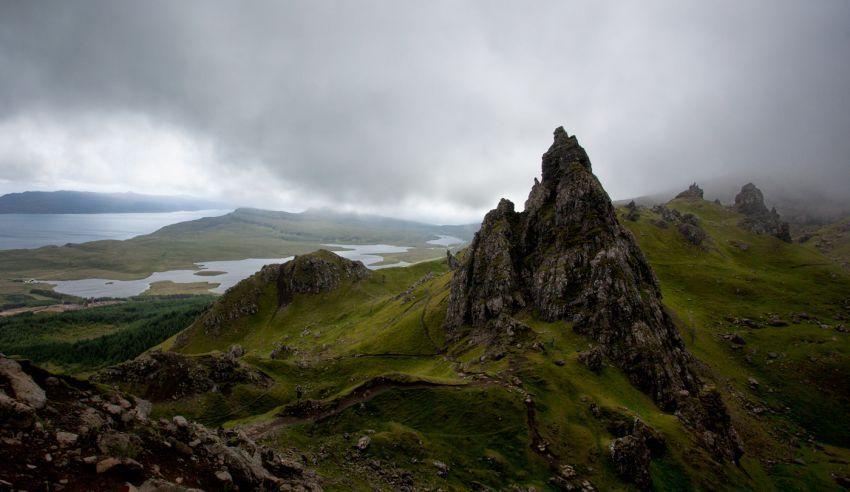 pemandangan alam yang menakjubkan di Isle of skye