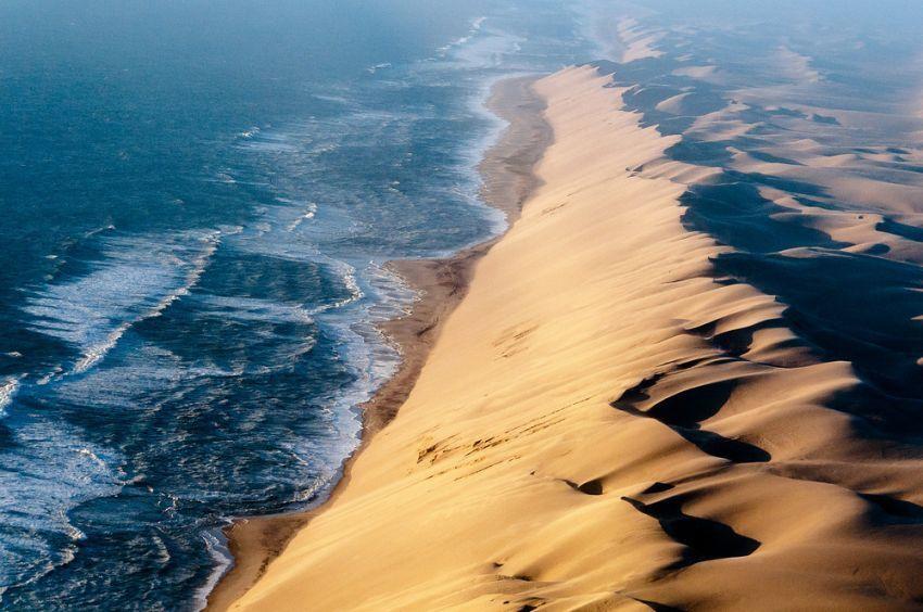 bukit pasir di gurun Namib merupakan yang tertinggi di dunia
