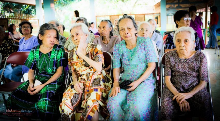 Kegiatan di salah satu Panti Jompo di Jakarta