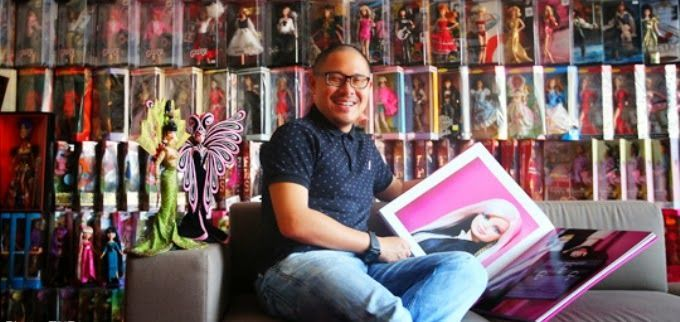 Pria asal Singapura yang mengoleksi boneka Barbie dan tetap lakik