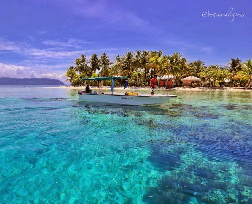 Pantai Pulau Arborek, Raja Ampat. Foto: Marischka Prudence