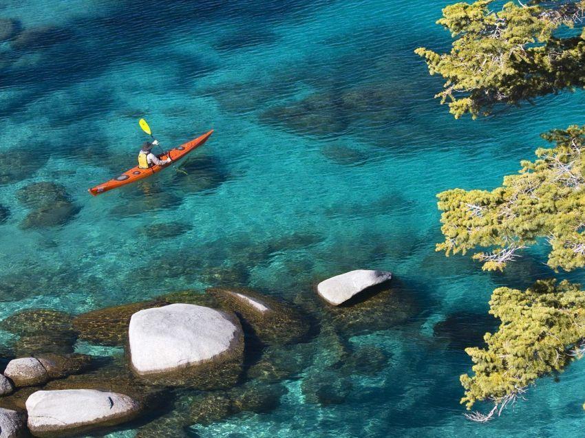 Olahraga Kayak di Danau Tahoe