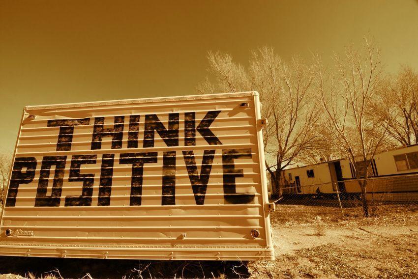 tetap berpikir positif