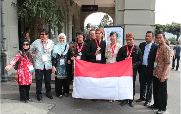 Tim Olimpiade Biologi Indonesia di Bern