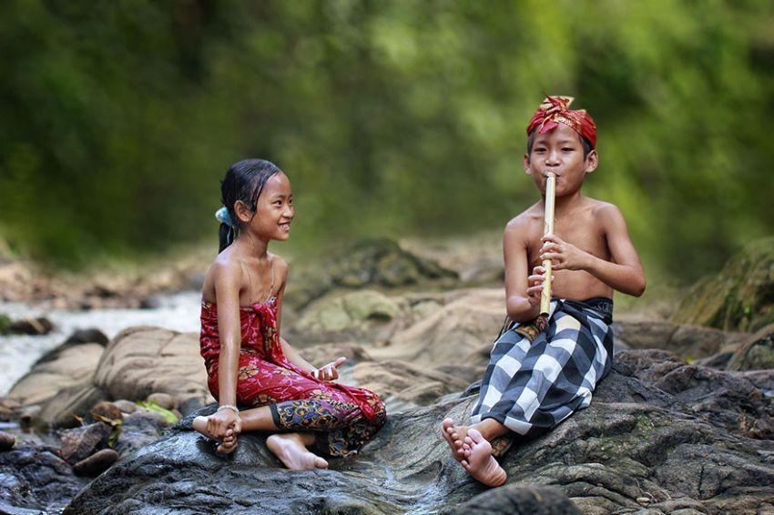 village-life-indonesia-herman-damar-14-934x