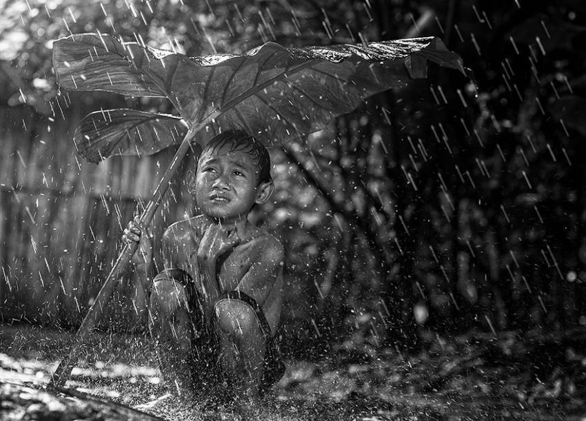 village-life-indonesia-herman-damar-2-934x