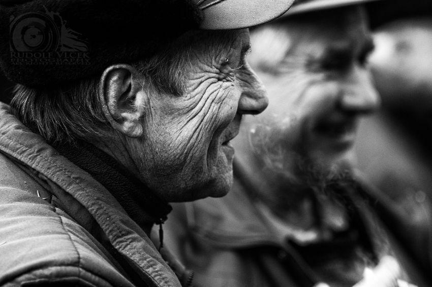 Laki-laki yang mampu tersenyum dan mengendalikan rasa marah