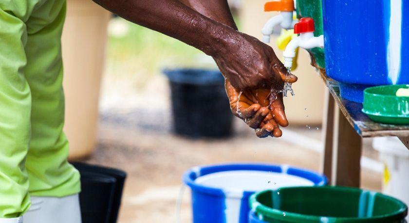Cuci tangan sebelum dan sesudah beraktivitas