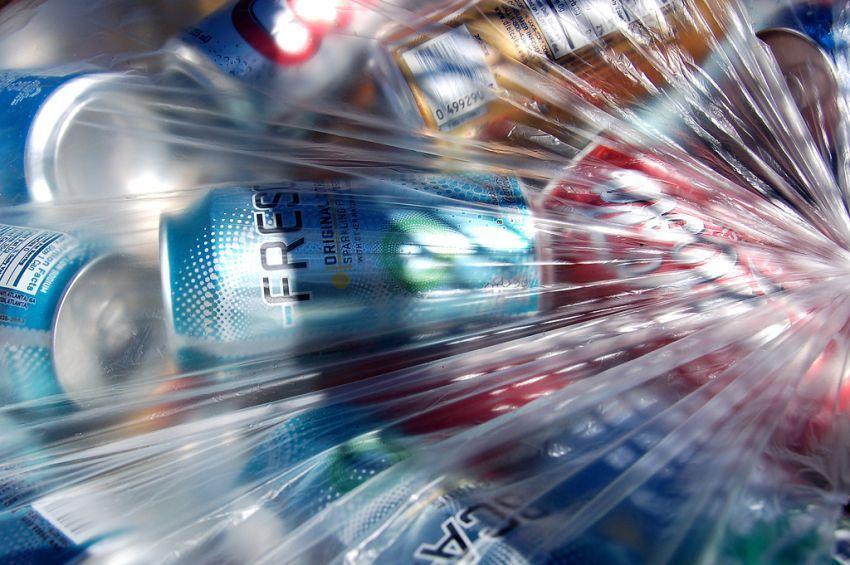 penggunaan plastik berlebihan