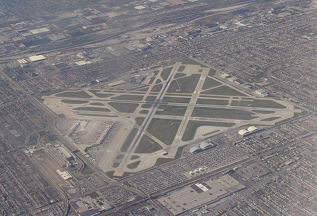 Jadwal penerbangan di Midway suka molor