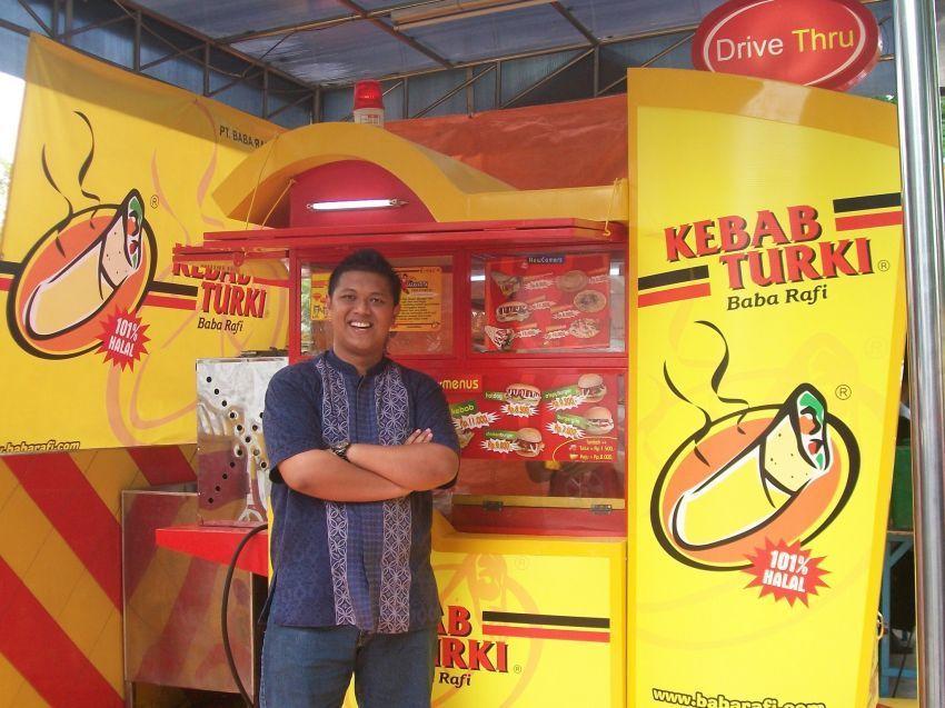 Hendy lewat Kebab Baba Rafi membuka kesempatan kerja bagi banyak orang