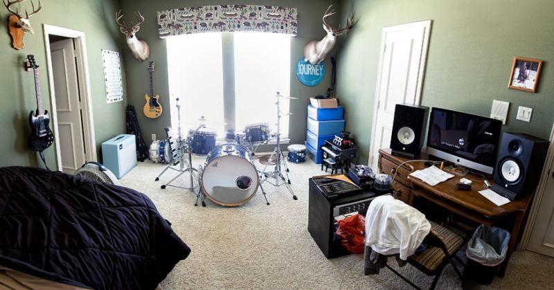 studio jadi tempat nongkrong