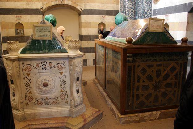 Makam Sultan Salahuddin dan Peti Marmer