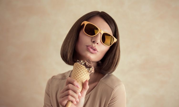traktir makan es krim